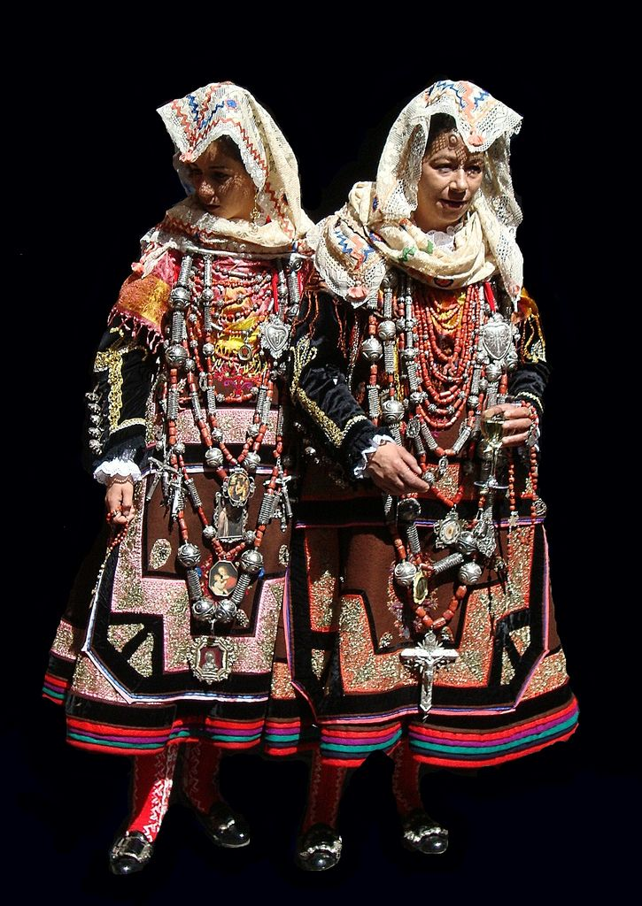 Spain   Traditional costume from the mountainous area of La Alberca,  province of Salamanca in the autonomous community of Castilla y León.  These also sometimes were worn as wedding dresses.   © Soslyos (Chema G.) via flickr
