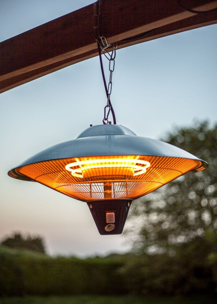 Hanging electric heater with halogen element. This patio heater is great for use all year round.This heater is 2100W and has three different heat settings.