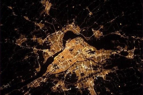 Colonel Chris Hadfield - Montreal from the ISS