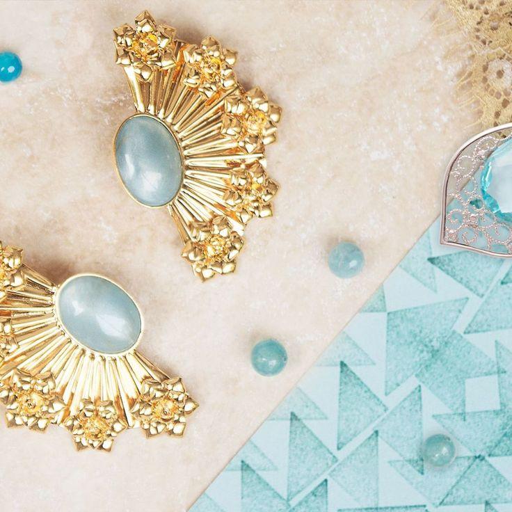 Enjoy your summer time with this amazing earrings / Disfruta del verano luciendo estos deslumbrantes pendientes de abanico. #AbánicoAlmudenaCarmelina #SendaNellyRojas #EsenciaCarmesi #jewelry #SendaSummer #HandMade #AbanicoAlmudenaCarmelina #Trendy