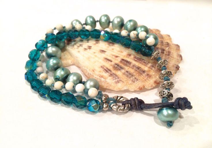3 filo di perle d'acqua dolce, Boho bracciale, impilamento bracciale, gioielli spiaggia, bohemien, Teal, annodato bracciale, rustico, regali, spiaggia Bracciale di SunsetSouthPaw su Etsy https://www.etsy.com/it/listing/266788620/3-filo-di-perle-dacqua-dolce-boho