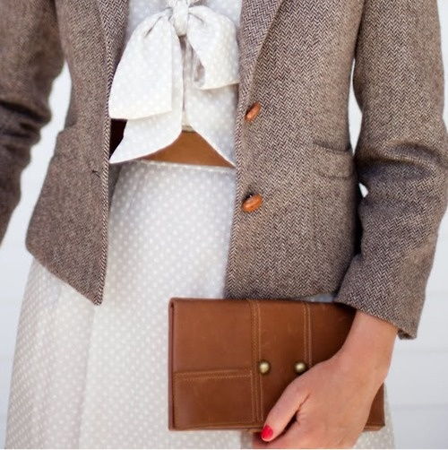 texture of a stiff blazer and flowing fabrics: gorgeous