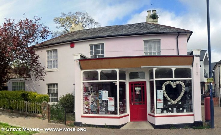 Horndean's Pink Post Office Closed