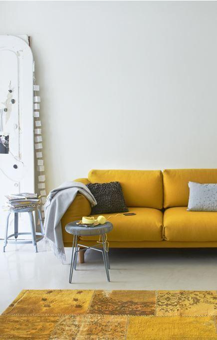 25 beste idee n over geel interieur op pinterest gouden sofa lichte gordijnen en gele gordijnen - Beige warme of koude kleur ...