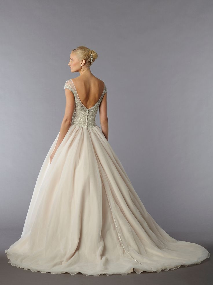 Glamorous ball gowns, high slits, plunging necklines, and sexy open-back designs, who says weddings need to be traditional and boring? Take a look at these sophisticated wedding dressesthat we hand-picked for you. Happy Pinning! Featured Wedding Dress:Danielle Caprese Featured Wedding Dress:Danielle Caprese Featured Wedding Dress:Danielle Caprese Featured Wedding Dress:Danielle Caprese Featured Wedding Dress:Danielle Caprese Featured […]