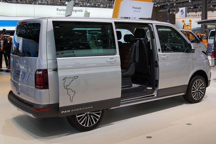 Auf der Nutzfahrzeug-IAA präsentiert VW den VW Multivan Panamericana, einen Allradtransporter für alle Lebenslagen und Freizeitaktivitäten.