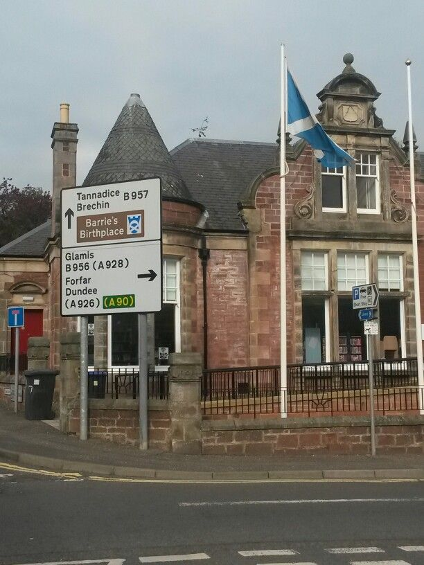Kirriemuir signs to Dundee, J.M. Barrie's birthplace, Glamis, Forfar