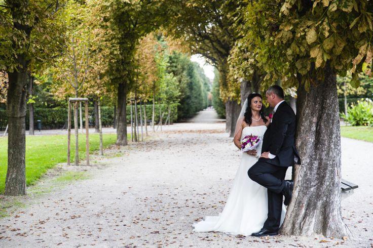 Hochzeitsfotos in der Kirche Neusimmering mit Feier im Hotel Stefanie - http://www.itsyourday.at/hochzeitsfotos-in-der-kirche-neusimmering-mit-feier-im-hotel-stefanie/