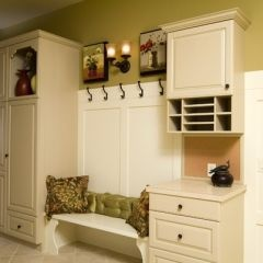 Mudroom.  Yes please!  Love the mail part in this one.  We have so many papers coming into our house each day to include boys school work and mail.  Something like this would keep little piles from accumulating in the kitchen.  :)