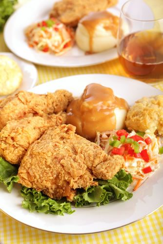 A healthier alternative to deep-fried chicken, oven-fried chicken absorbs less oil and results in crispy skin and juicy flesh.