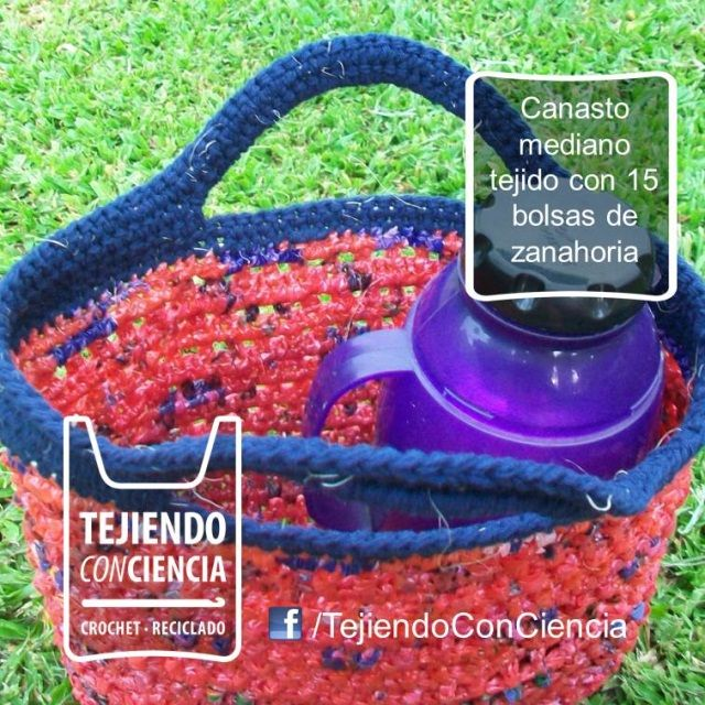 Bolso matero al crochet con bolsas plásticas