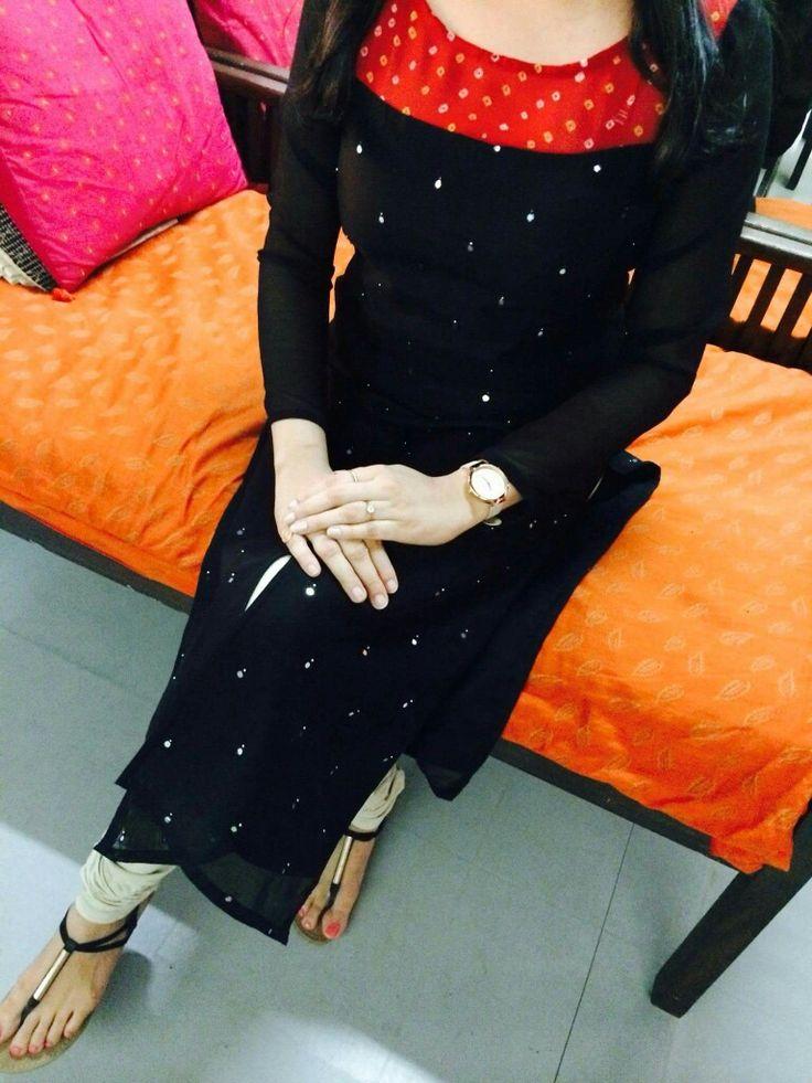 I like black haya niazi dp