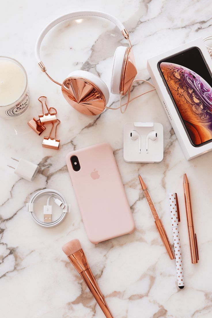 My New Iphone Xs Gold Lily Like Blog Iphone Gold Iphone Iphone Accessories
