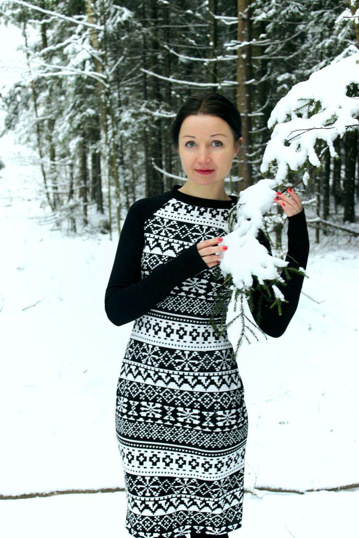 Еще одно маленькое и почти черное платье)