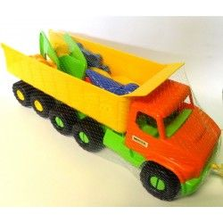 Mali plażowicze, coś dla was od Wadera.   Zestaw Wader 70380 - aż 68 cm Citytruck z Ruchomą Naczepą i Zabawkami do Piasku dla dzieci już od 1 roku.  Czy zabawki znajdujące się w ciężarówce pozwola na budowę piaskowego zamku? Sprawdźcie sami:)  #wader #citytruck #zabawkidopiasku #zabawki #prezenty #upominki
