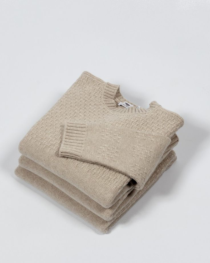 Aran Jumper | Inis Meáin | Lucky Sleeve | Irish Craft | Shop | Design and Craft | Gifts | Makers&Brothers | Makers & Brothers | Knitwear | Inis Meain | Merino Wool | Cashmere | Lucky Sleeve | EDITIONS | Exclusive