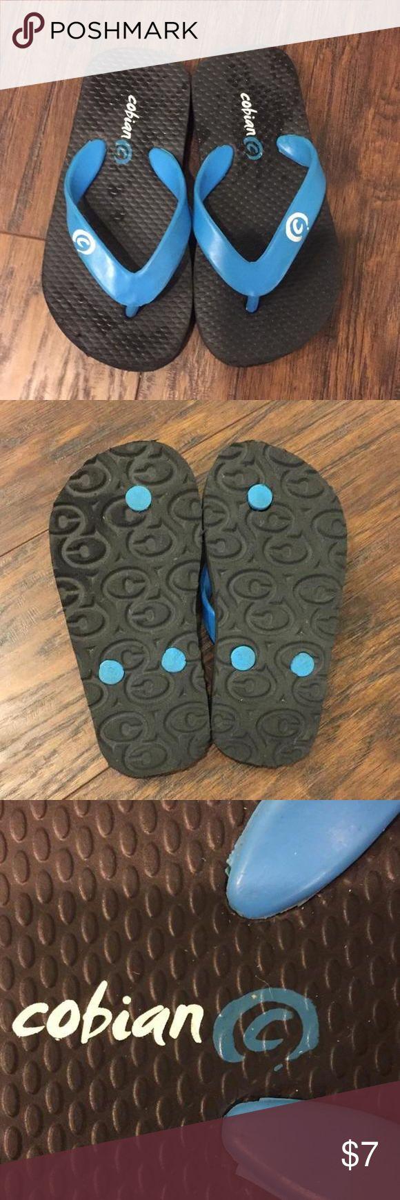 Cobian Flip flops size 8-9 Cobian flip flops size 8-9. Worn about 2 times. Cobian Shoes Sandals & Flip Flops