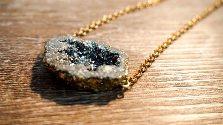 Le chouchou de ma boutique https://www.etsy.com/ca-fr/listing/481692101/sautoir-long-collier-long-necklace-gold