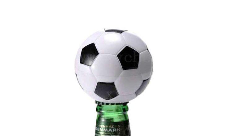 Открывалка на магнитах «Футбольный мяч»...
