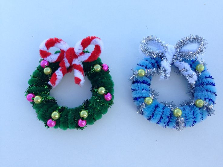 Pipe cleaner christmas wreath christmas crafts for Pipe cleaner christmas crafts