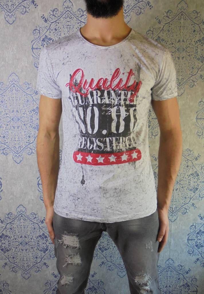 Grey starred t-shirt €24! www.dopedfashion.nl #vintage #tshirt #grey #kleding #kleren #clothing #fashion #urban #mens #menswear #street #dope #apparel