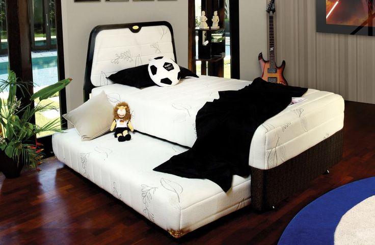 Saat tidur, pastikan sahabat menggunakan Spring Bed dari American Pillo. Mengapa?   Selain dibuat untuk menopang kesehatan Anda, Spring Bed dari American Pillo juga di desain dengan sangat modern yang cocok diaplikasikan pada kamar Anda  Sudahkah kamu memiliki satu set Spring Bed American Pillo di rumahmu? #PilloBed