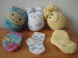 Stray sock dolls...I could make a million of these with all the extra socks I have laying around!!