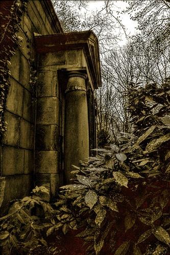 Concealed upstate NY mausoleum