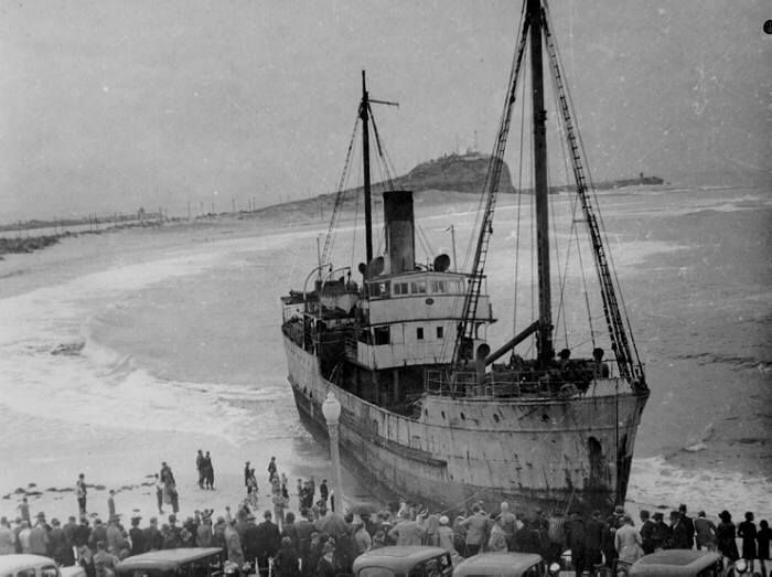 "The ship ""Mai "" that run aground on Nobby's Beach near Newcastle, NSW on 5th May 1940. v@e."