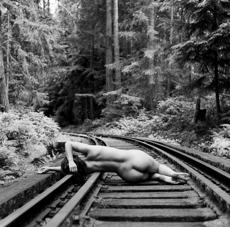 nakes on tracks