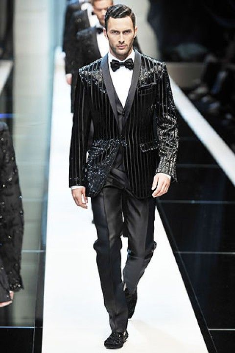Dolce and Gabbana mens sequined tuxedo. Yup I am getting this for when i go out with the girlfriend. Haha