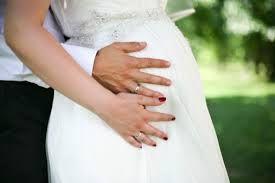 pregnant bride photo - Recherche Google
