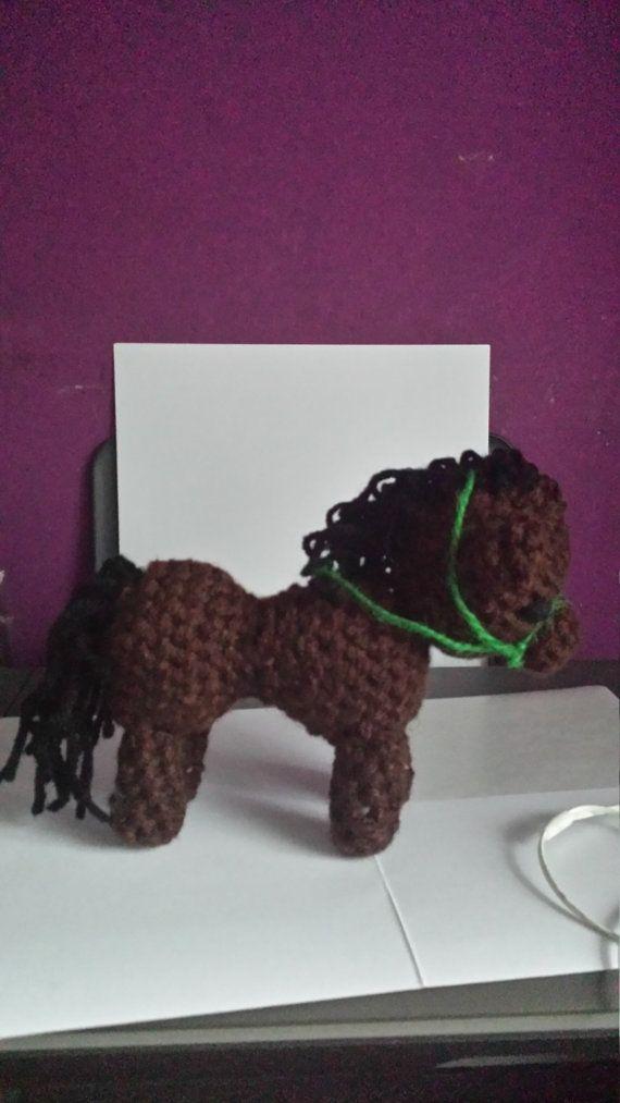 Small horse with reins // klein paardje met teugels