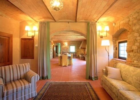 CasaValdiPesa, italian farmhouse style lounge