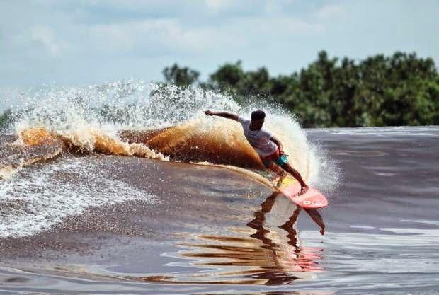 Nikmati Wisata Ekstrim Berselancar di Obak Bono Sungai Kampar Riau - Wisata Alam di Kampar Riau - Pesona Indonesia