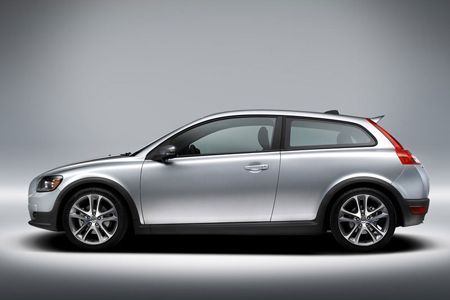 Update you knowledge with the latest happening, news , reviews of the Volvo cars in India. Stay ahead with the reviews on the latest releases with just of a click of a button.