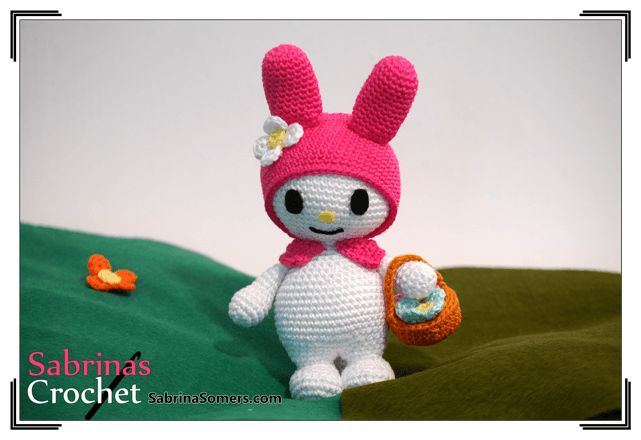 Conejita Amigurumi My Melody de Sanrio (16cm) - Patrón Gratis en Español aquí: http://www.sabrinasomers.com/free-crochet-pattern-mymelody-spanish.php