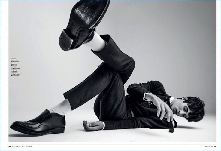 Oscar Kindelan kicks his feet up for a spread in Esquire España. On the heels of a new Furla campaign, Oscar appears in the magazine's November 2017 issue.