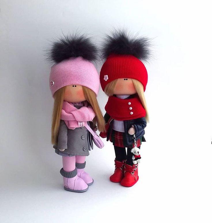 Две подружки выполнены на заказ, рост девочек 26см. #кукларучнойработы #кукла #куклы #куклатыквоголовка #люблюдочу #девочкитакиедевочки #детки #хобби #интерьернаякукла #тильда #кукласвоимируками #сделанослюбовью #сделаносдушой #home #hobbi #handmade #madeinrussia #dolls #doll #ярмаркамастеров #москва #москвасити #интерьер #happydollsbyolesya #текстильнаякукла #интерьер #уютныйдом #оригинальныйподарок #подарокподруге