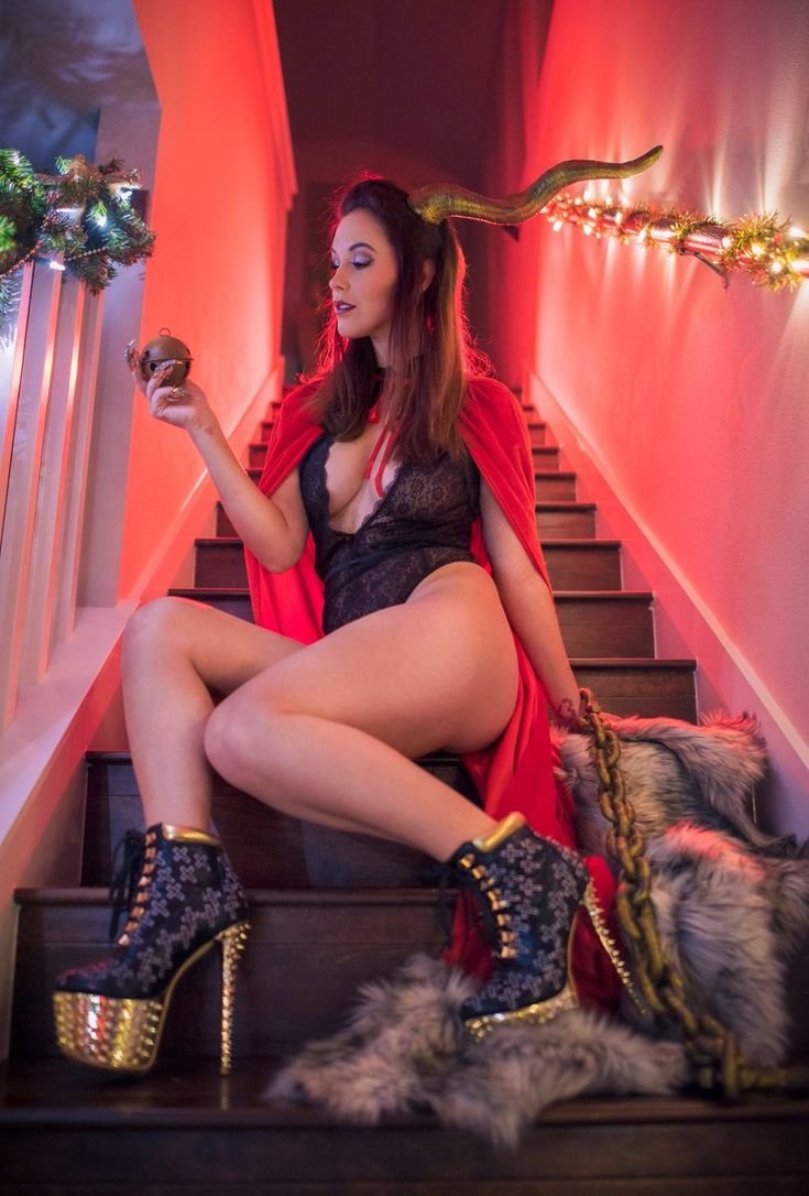 Jessica Nigri CELEBRATING LEWDMAS! (@OJessicaNigri) | Twitter
