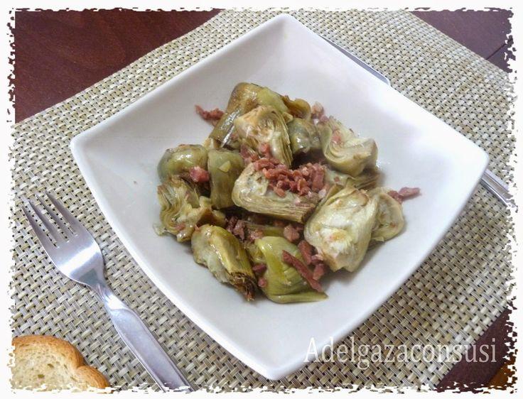Adelgaza Con Susi: Alcachofas con jamón al microondas (127kcal) Ingredientes para 2 1 kilo de alcachofas que limpias se quedan en 400 gr más o menos 60 gr de jamón en dados 2 ajos 1 limón 1 cuchara de aceite de oliva sal