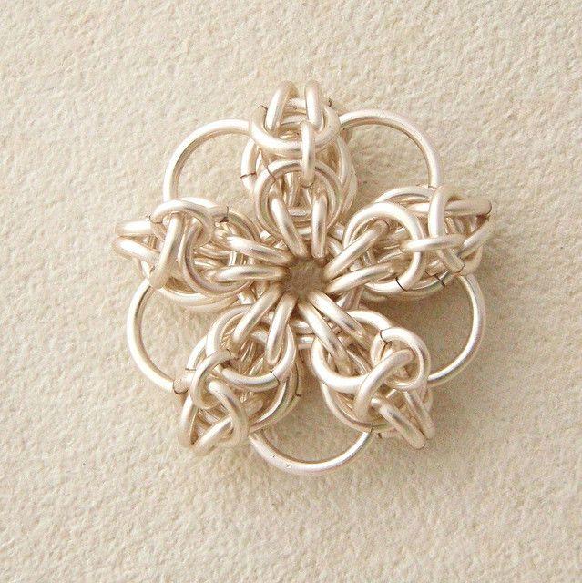 Celtic Flower Tutorial by unkamengifts, via Flickr