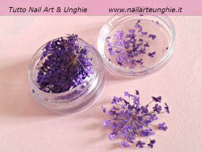 fiori secchi nail art