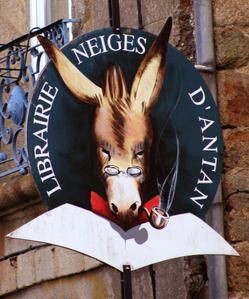 """Librairie/Book Shop """"Neiges d'Antan - Bécherel - Ille-et-Vilaine (France)"""
