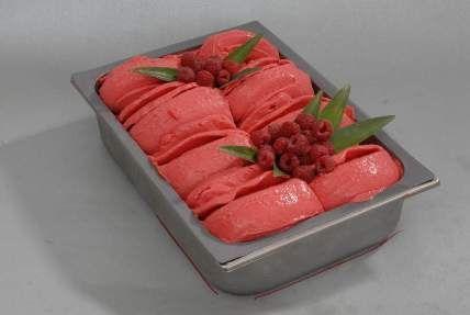 Mléčná zmrzlina ochucená dle chuti - Citron 1 ks  Cukr moučka 70 g  Mléko 250 ml…