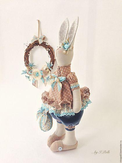 Tilda Bunny / Игрушки животные, ручной работы. Ярмарка Мастеров - ручная работа. Купить Кроля Эсти с веночком и пасхальным яйцом. Handmade. Бежевый