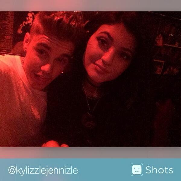 Pin for Later: Justin Bieber und Kylie Jenner kuscheln bei einer Dinner-Verabredung  Source: Twitter user kyliejenner