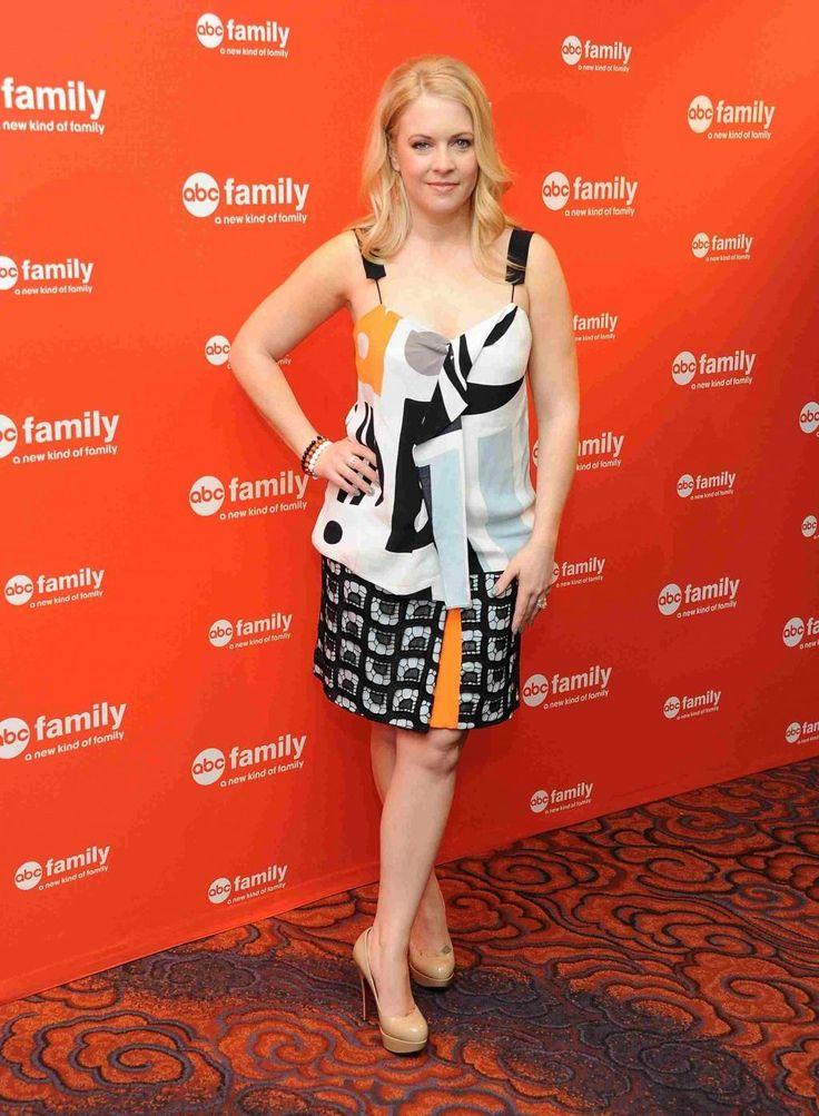 Мелисса Джоан Харт ABC Family Искренние Белый черное платье Мелисса Джоан Харт…