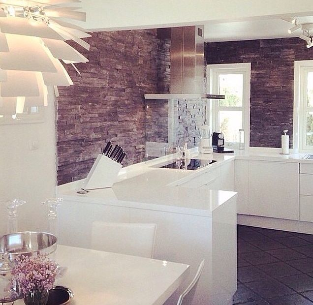 White kitchen, love the wall