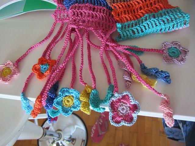 Ravelry: Colourful scarf pattern by Kazuko Ryōkai (了戒 かずこ)